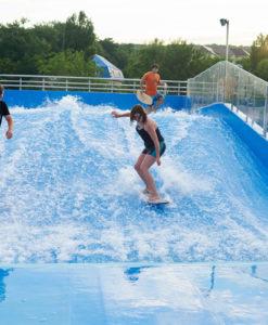 bể bơi tạo sóng