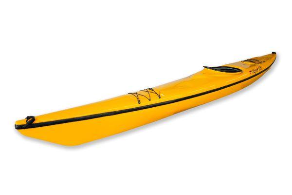 Thuyền kayak đơn ngồi trong
